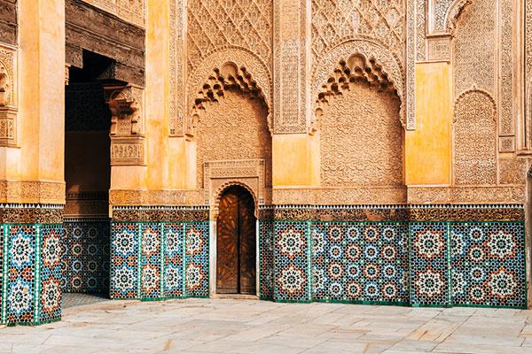 explore-patterned-building-doorway-marrakech